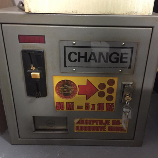 Automat na rozměnění mincí.