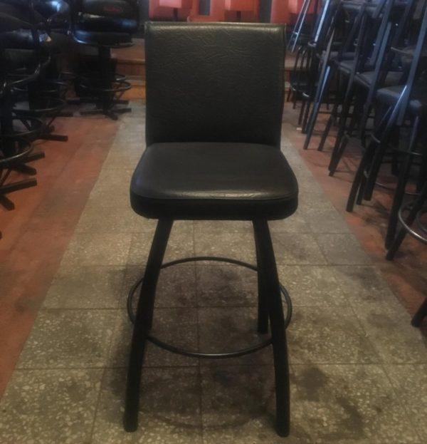Barová židle s kulatou podnožkou - bazar