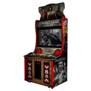 Interaktivní arkádová bojová hra – Injustice arcade